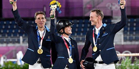 OS-guld till hopplaget - Sveriges Olympiska Kommitté